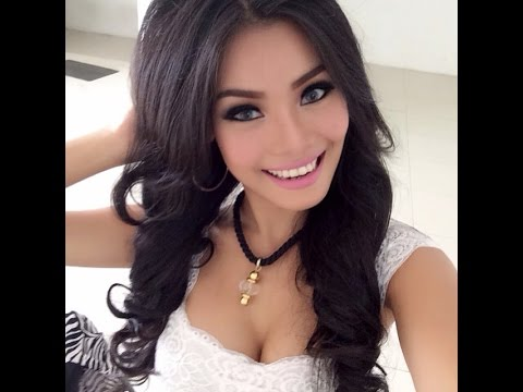 Aurora Lessa Model seksi hot Indonesia Video