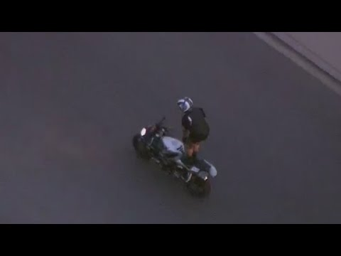 Biker Teases Cops During High-speed Chase