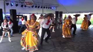 Ballet Folklorico Fiesta Mexicana dances at a Jalapeños Restaurant (Cinco de Mayo) 2013