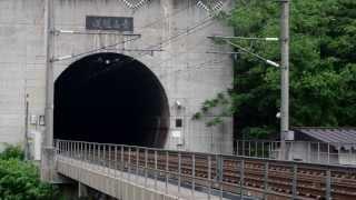 朝5時10分過ぎ、寝台特急カシオペア号は青函トンネルへ突入して行き...