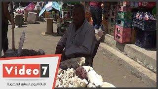 بالفيديو..عم محمد إسكندرانى 75 عاما بياع على رصيف حلمية الزيتون: نفسى فى معاش يسترنى