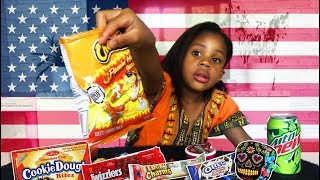 FRENCH GIRL TRIES AMERICAN CANDIES AND SNACKS + SHOUTOUTS┃DÉGUSTATION BONBONS AMERICAINS┃먹방