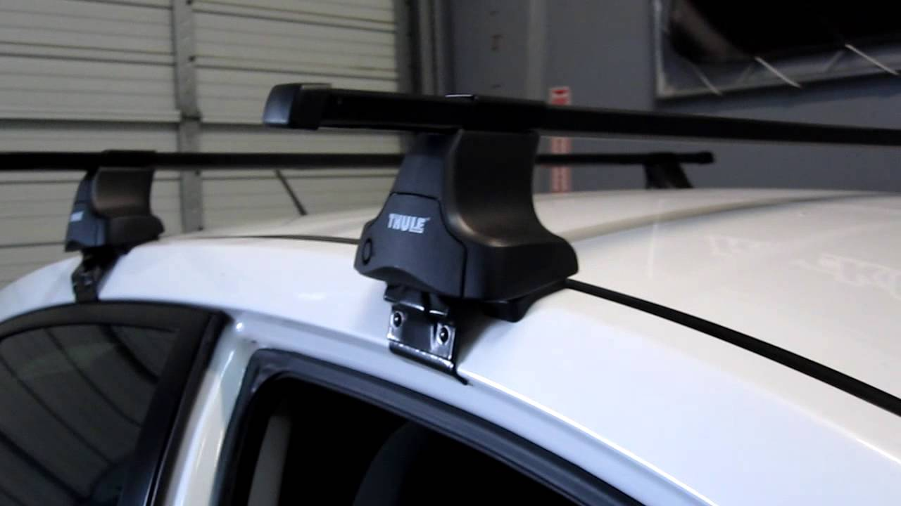 Nissan Sentra Sedan Thule 480 Square Bar Roof Rack 2007