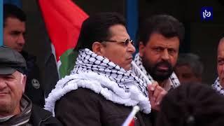فعاليات فلسطينية تنظم وقفات أمام مقرات وكالة الغوث احتجاجا على الابتزاز الأمريكي - (29-1-2018)