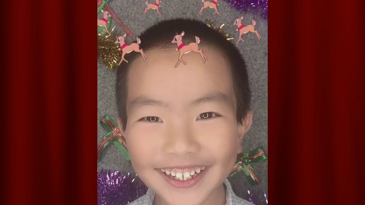 Primary Students Sing For Christmas