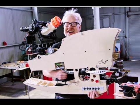 Adam Savage conçoit une bien drôle de mitraillette ! - Discovery Science