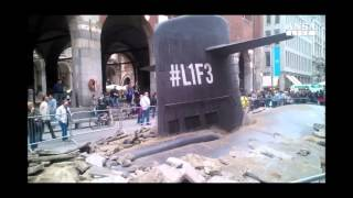 U-boat emerges in the streets of Milan - U-Boot taucht mitten in Mailand auf