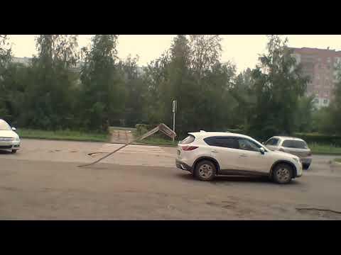 Столб остановил водителя кроссовера в Шарыпово