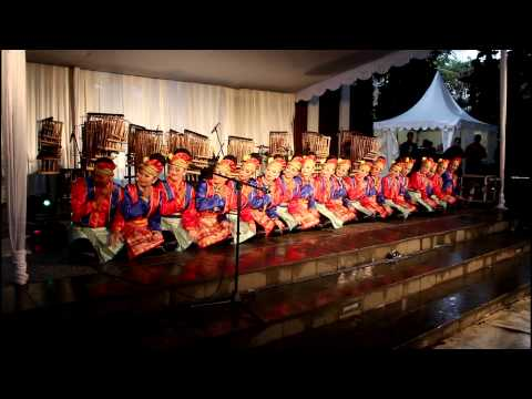 Indonesian Traditional Saman Dance