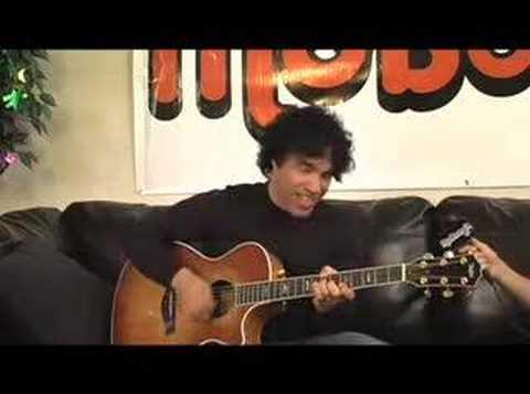 "John Oates Sings ""She's Gone"" At The Moboogie Loft 4/11/07"