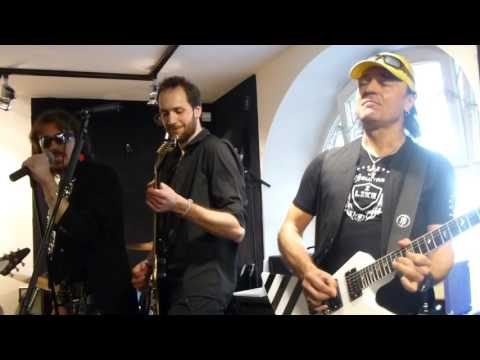 *The Zoo + Matthias Jabs (Scorpions) - Bad Boys Running Wild* (18.03.2017, MJ Guitars, DE-München)