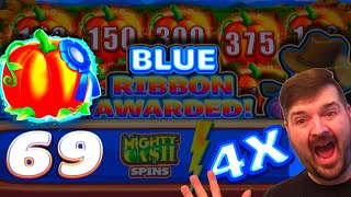 🎃🎃🎃 THE MOST BLUE SPINS ON YOUTUBE! 🎃🎃🎃 Farmville Slot Machine Massive Win W/ SDGuy1234