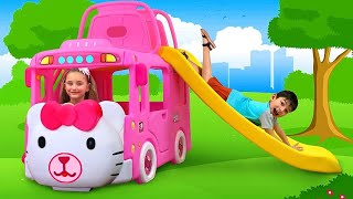Những câu chuyện hay nhất với Sasha và Max với xe buýt hello kitty