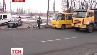 Задержали пьяного водителя школьного автобуса(UA - П'яного водія шкільного автобуса затримали на Вінниччині. Він віз дітей із села до школи у Вінницю. Випус..., 2013-02-27T09:27:41.000Z)