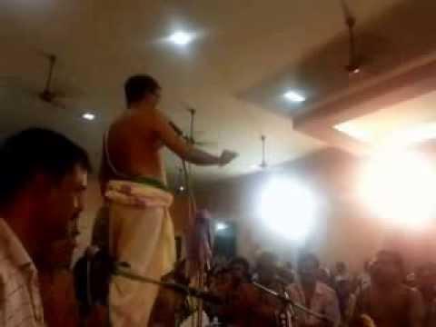 005 Alola Thulasi - Kalpathy Bhajanotsavam 2013 - Sri Kalyanaram Bhagavathar
