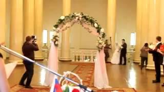 ЖЕСТЬ!!!! С невесты слетело платье и все увидели стринги!!!
