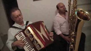 ccb hino 310 acordeon e sax baixo.