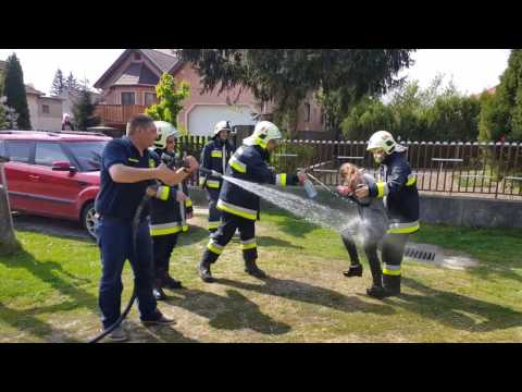 A rajkai tűzoltók húsvéti locsolása 2017