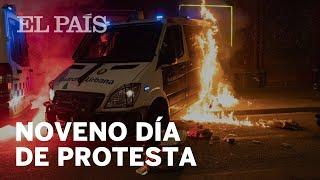 Graves disturbios durante la novena jornada de protestas por el rapero Hasél en Barcelona