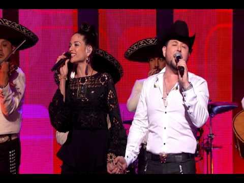 Premios De La Radio ROBRETO TAPIA y NATALIA JIMENEZ - NO VALORASTE / ME MERO POR BESARTE / QUEDATE C