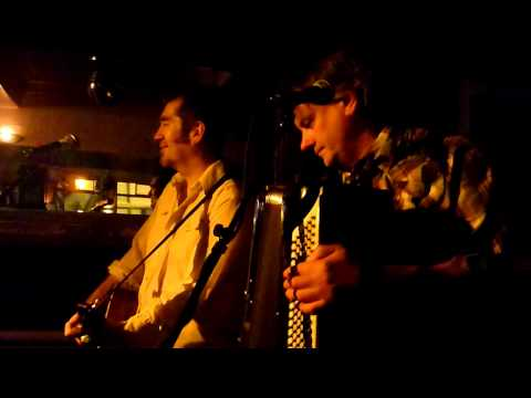 Mick Thomas and Squeezebox Wally -  For A Short Time (Hobart 25.11.11)