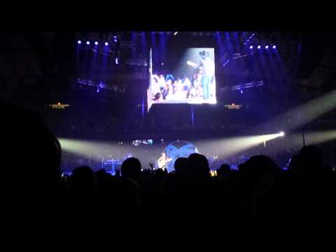 Garth Brooks with Trisha Yearwood World Tour Chicago 26 A Friend to Me