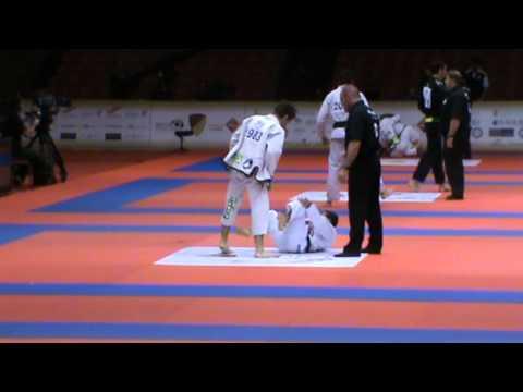 Abu Dhabi World Pro 2011 - BRUNO MALFACINE (leg lock)