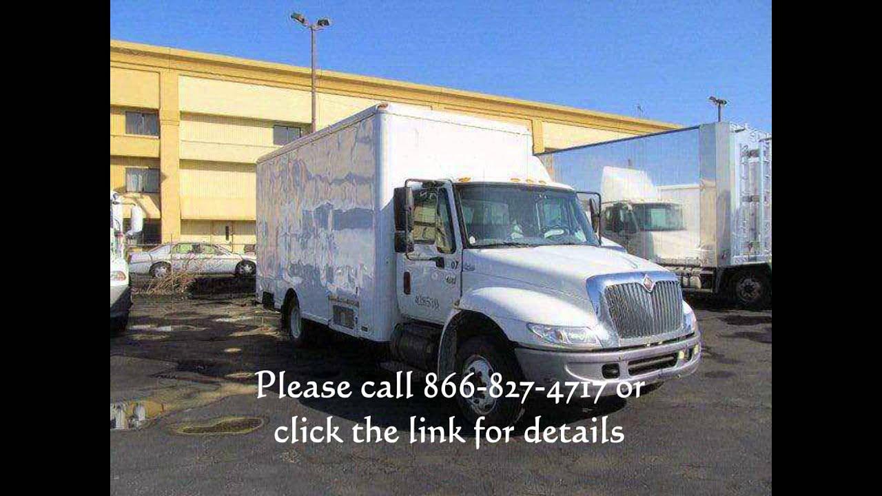 2004 International 4200 box truck step van