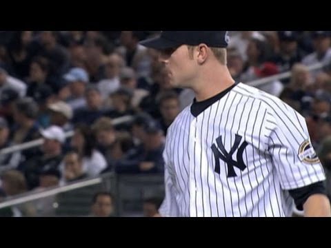 2009 ALDS Gm 2: Robertson pitches out of a jam