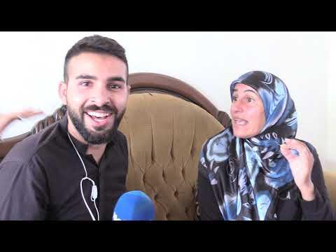 مباشر من منزل الحاجة فدوات: الكوميدي عبدالله عقيل يتبرع لها ببراد وادوات مطبخ وصالون