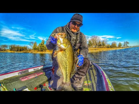GIANT Prespawn IOWA Bass At ICE OUT