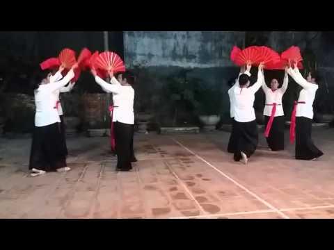 Múa khúc hát sông quê CLB Chi Đống . Ảnh đẹp âm chuẩn .