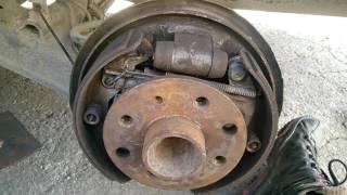 Замена тормозных колодок Opel Vectra A часть 2