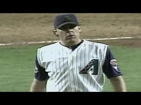 WS2001 Gm7: Schilling fans nine Yankees