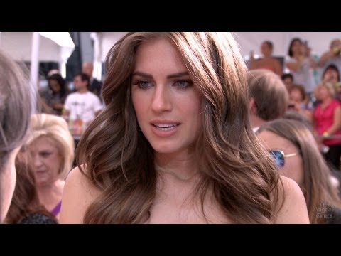 "Emmy Red Carpet: Allison Williams of ""Girls"""