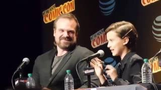 David Harbour Dad or Sexy? (Stranger Things, Millie Bobby Brown @ NYCC 2016)