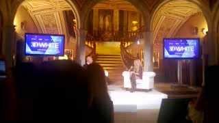 3D White Crest Q&A Robert Verdi Shakira - Style Segment Thumbnail