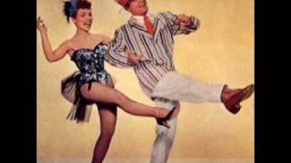 Teresa Brewer legs tribute sung by Elvis Presley - Long Legged Girl With the Short Dress