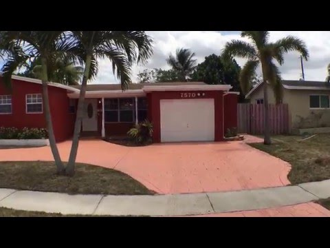 Houses in South Florida for Sale: Hollywood House 4BR/2BA by Property Consultancy in South Florida