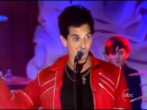 Cobra Starship - Snakes On A Plane (Bring It) - LIVE Jimmy Kimmel