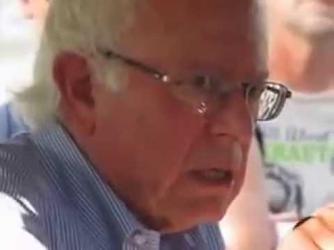 Bernie Sanders Strikes with Union in Iowa