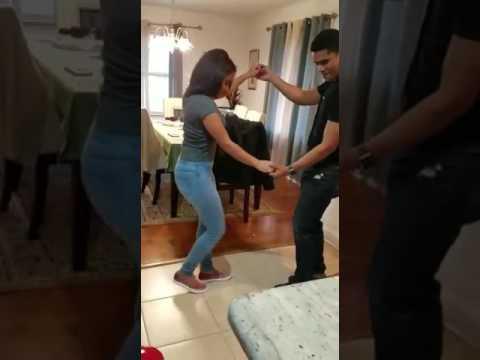 Bailando bachata con la prima