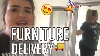 Apartment Vlog / FURNITURE DELIVERY & CLOSET TOUR
