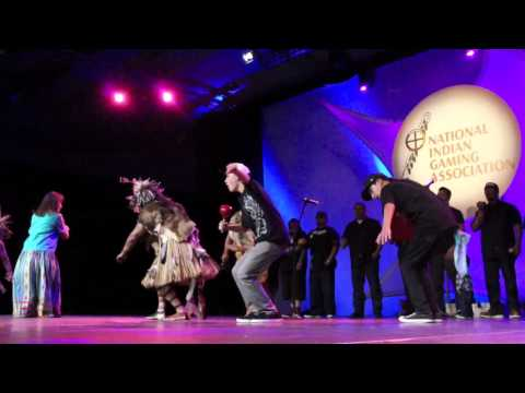 Ernie Stevens Jr Performs with Chumash Dancers
