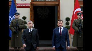 Türkiye ve Polonya savunma bakanları ortak basın toplantısı