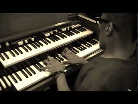 LiL GREG EDWARDS ORGAN SOLO (HMG)