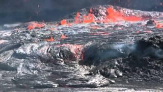The lava lake of Erta Ale volcano overflows (Danakil desert, Ethiopia) Nov 2010