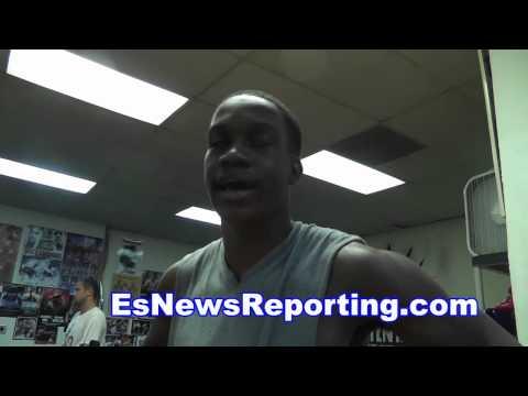 chris algieri vs manny pacquiao fans argue over fight - EsNews boxin