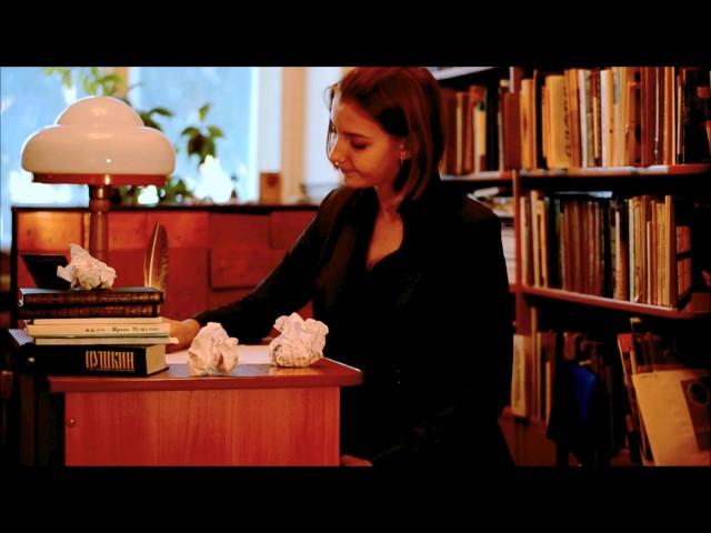 Изображение предпросмотра прочтения – ВикторияЧернышева читает отрывок изпроизведения «Евгений Онегин» А.С.Пушкина
