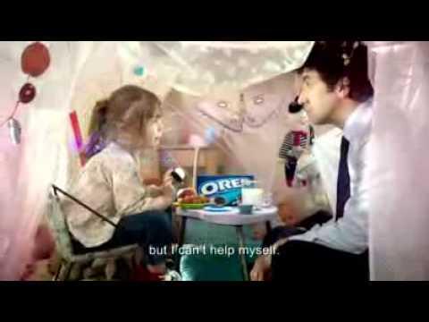 Oreo Commercial -- France